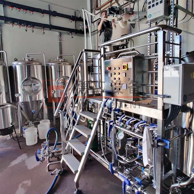 Volume 700L 3-vessel Beer Brewing System Brewhouse with Steam Heating for Beer Making for Sale