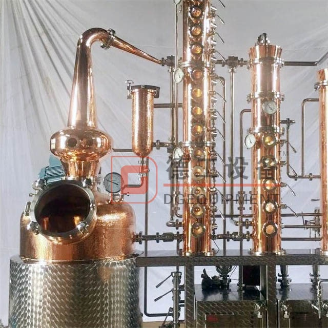 300L Copper / Stainless Steel Distillation Equipment Electric Heating Affordable Distiller Online for Sale